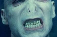 Ralph Fiennes Habla de los Retos y Sacrificios de Interpretar a Lord Voldemort