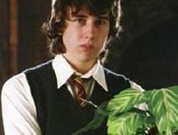 Matthew Lewis Habla de Rupert Grint, Dentro y Fuera del Set de 'Harry Potter'