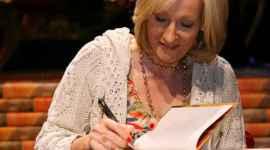 JK Rowling, Remunerada por Ser una de las Autoras Más Populares en las Bibliotecas