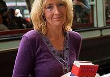 Autora JK Rowling, Partícipe de la Lucha contra la Piratería Literaria en Internet