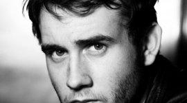 Matthew Lewis Habla sobre la Evolución de Neville Longbottom en 'Las Reliquias'