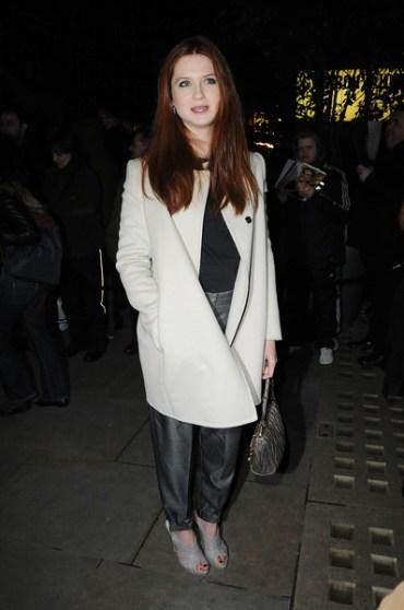 Bonnie Wright Asiste a Distintos Eventos Sociales en Londres