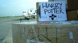'Harry' Ya Aterrizó para Ayudar a los Sobrevivientes del Terremoto de Haití