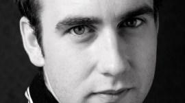 Entrevista: Matthew Lewis Habla de las Escenas Inventadas de Neville Longbottom en 'Las Reliquias II'