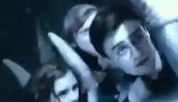 Escena Completa de Harry, Ron, y Hermione Liberando al Dragón Ciego en 'Las Reliquias, Parte II'!