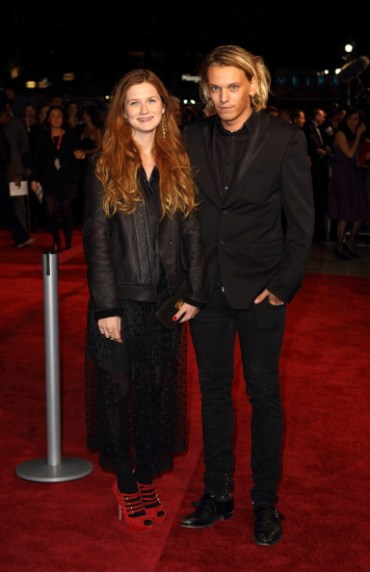 Bonnie Wright y Jamie Campbell Bower Asisten a la Gala del 'BFI London Film Festival'