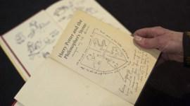 Ejemplar de 'Harry Potter y la Piedra Filosofal' con Notas y Dibujos de JKR será Exhibido al Público