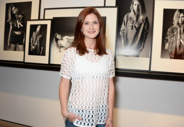 Bonnie Wright Asistió al lanzamiento de Calvin Klein Jeans x Mytheresa.com