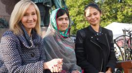 J.K. Rowling y Malala Yousafzai en el Festival del Libro en Edimburgo