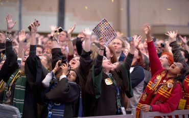 ¡Celebra los 20 años de 'Harry Potter' en Facebook, Twitter e Instagram!