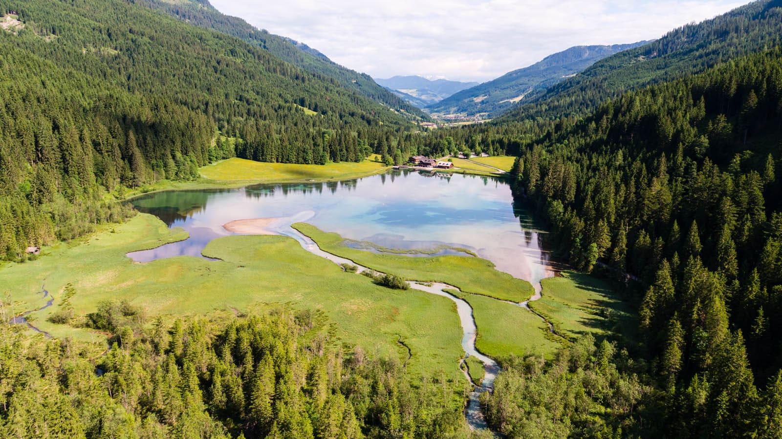 Aussicht hoch 2 auf der Wanderung zum Tappenkarsee blogHuette.at image 2