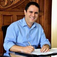 Edivaldo anuncia pagamento de abono salarial aos professores da rede municipal