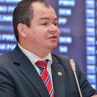"""Leitoa detona """"discursos teatrais"""" da oposição durante votação do Orçamento 2020"""