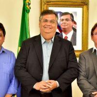 Prefeito em exercício, Julio Pinheiro, se reúne com o governador Flávio Dino