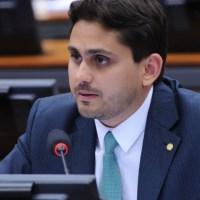 Relator do projeto de trânsito, Juscelino faz mudanças, mas não cede a apelo de Bolsonaro