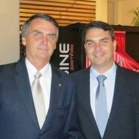 Deputado vê novos indícios de envolvimento de família Bolsonaro com a milícia