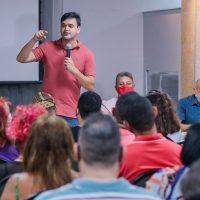 Rubens e Honorato reúnem movimentos sociais para debater propostas para o segmento