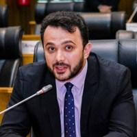 Vacinação: Deputado Yglésio coloca sob suspeita laudos sobre comorbidade e cobra do MPE celeridade na apuração das denúncias
