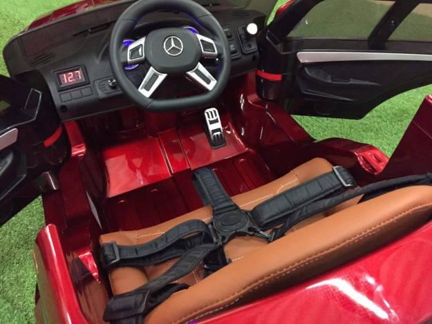 intérieur de voiture électrique enfant Mercedes