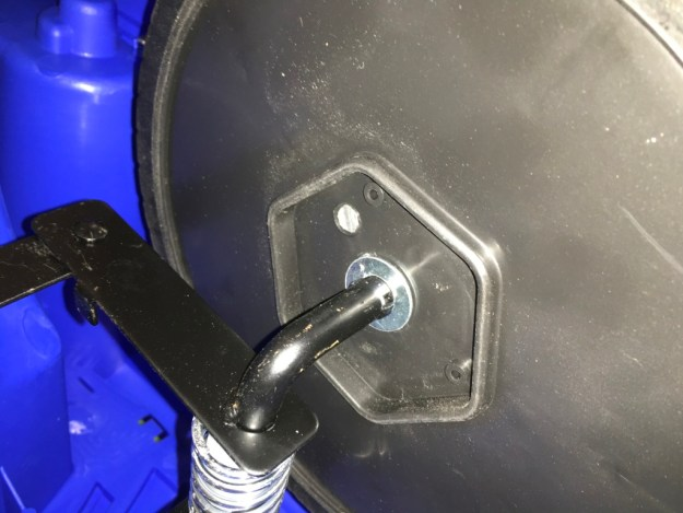installer roue avant de voiture électrique enfant