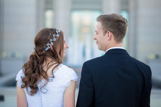 Fix A Troubled Marriage: Warning Signs