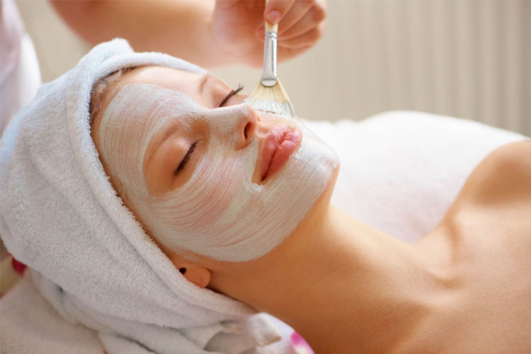 5 Natural Homemade Face Packs For Instant Glow