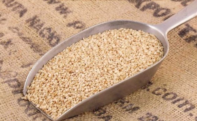 Sesame Seeds and Jaggery For Delayed Periods