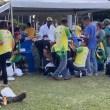Marmita com farofa: a versão 'pão com mortadela' de Bolsonaro; vídeo