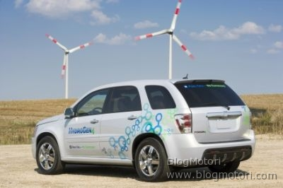 cell-chevrolet-clean-energy-equinox-fuel-ginevra-gm-hydrogen4-partnership-02.jpg