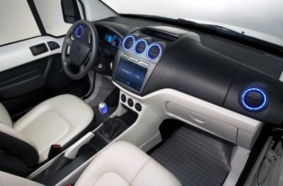 ford-transit-connect-family-one-prototipo-che-combina-comfort-high-tech-e-high-touch-03