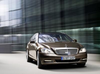 mercedes-benz-classe-s-model-year-2009-il-riferimento-tra-le-berline-di-lusso-01
