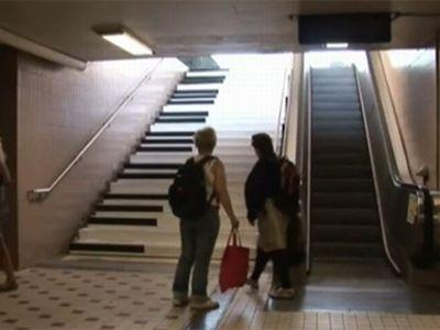 Odenplan, Stoccolma: i gradini della metro come tasti di pianoforte, questa l'idea VW