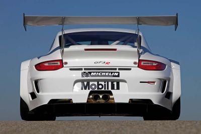 Nuova Porsche 911 GT3 R: disponibile a primavera al prezzo di 279.000 €, tasse escluse