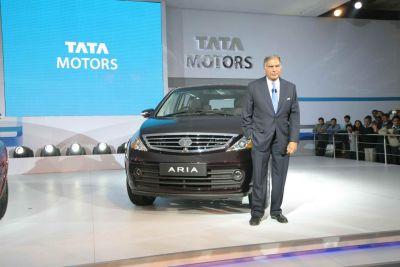 Ratan Tata sogna l'auto che va ad acqua