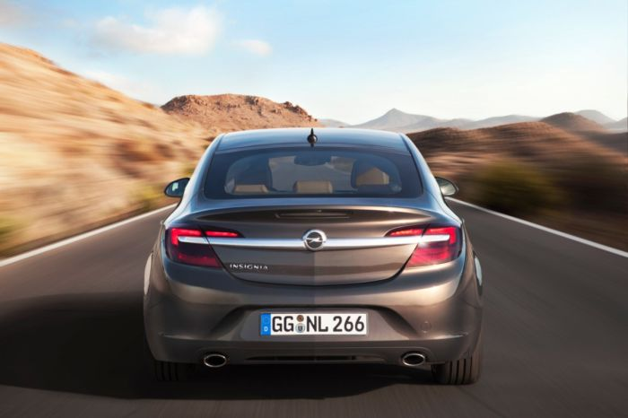 Opel-Insignia-2014