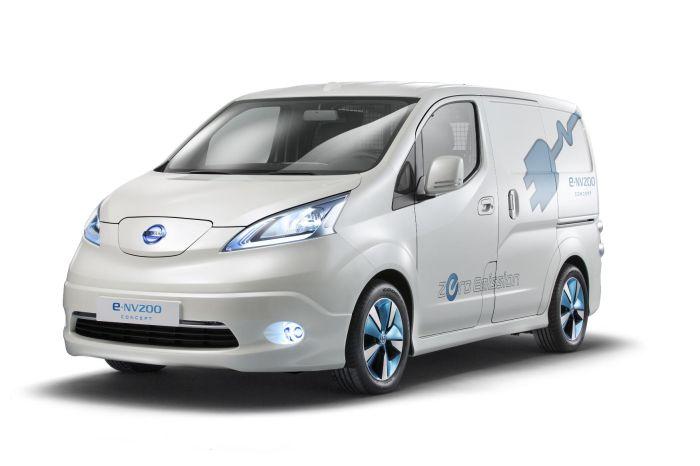 Il furgone compatto 100 elettrico Nissan e-NV200 protagonista a Tokyo