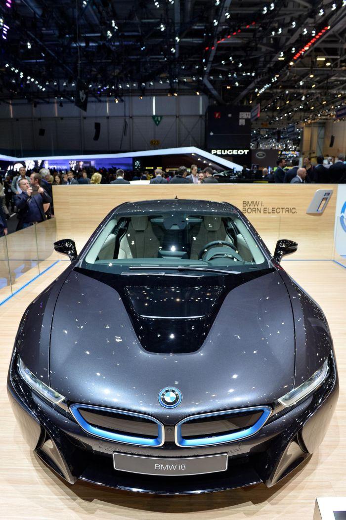 A giugno le consegne di BMW i8, supercar con consumi da utilitaria 5