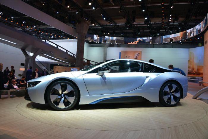 A giugno le consegne di BMW i8, supercar con consumi da utilitaria 9