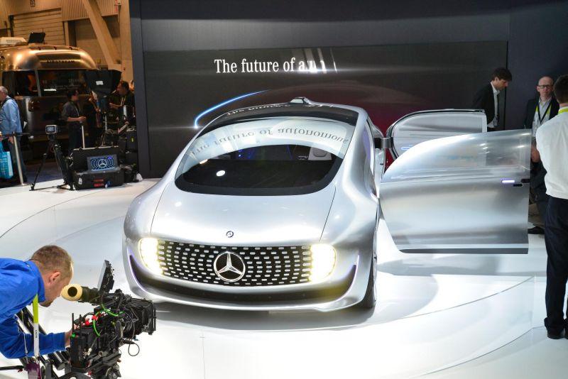 Mercedes-Benz F 015 Luxury in Motion 2
