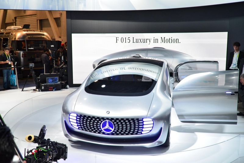 Mercedes-Benz F 015 Luxury in Motion 3