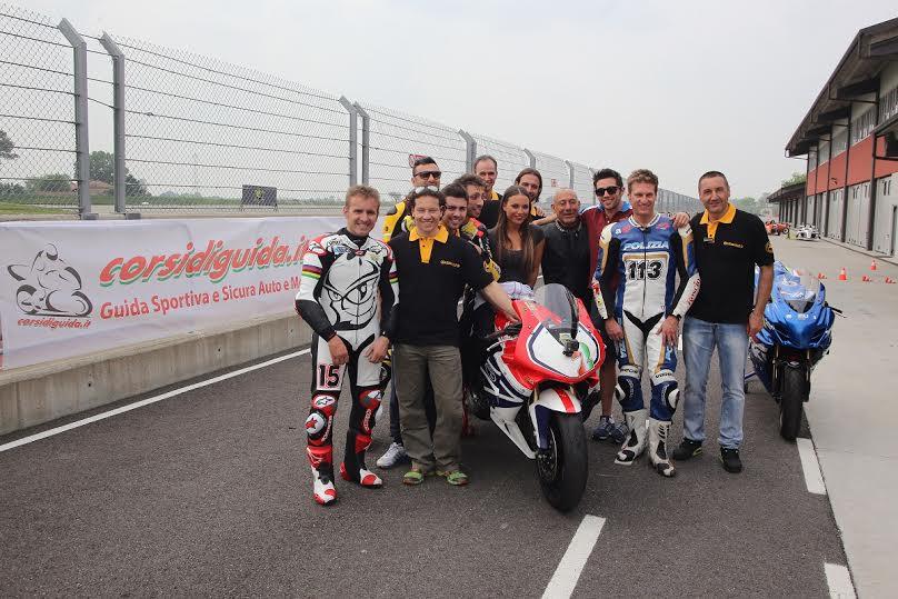 Corsidiguida.it - Motorace corsi di Guida Sportiva e Sicura con i piloti della Moto GP