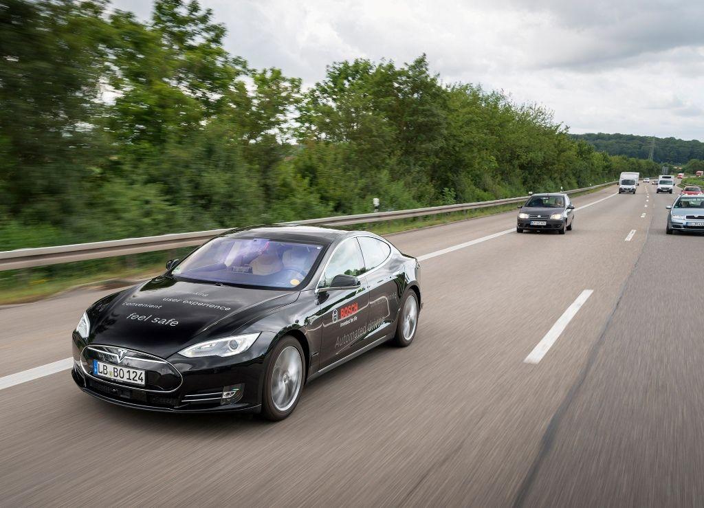 Il futuro della mobilità Bosch e TomTom partner per la navigazione dei veicoli a guida autonoma