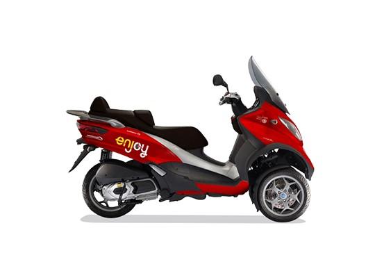 Mobilità sostenibile in auto e anche in scooter. Si amplia lo sharing di Eni Enjoy