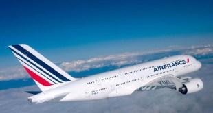 Atterraggio d'emergenza per una aereo su cui viaggiava un bambino malato di cuore