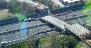 Crolla un ponte in autostrada A14