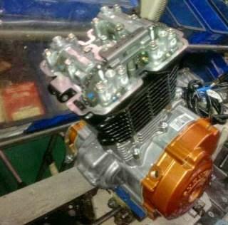 Mesin Motorsport diduga full fairing Suzuki