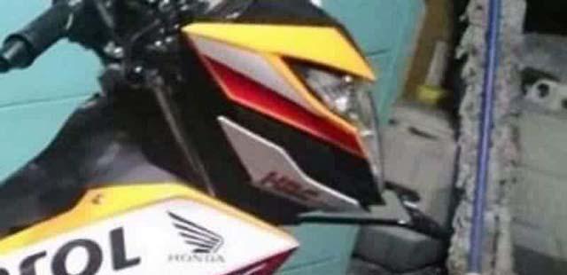 Tampilan Honda Sonic 150R Livery Moto GP Tim Repsol dari samping