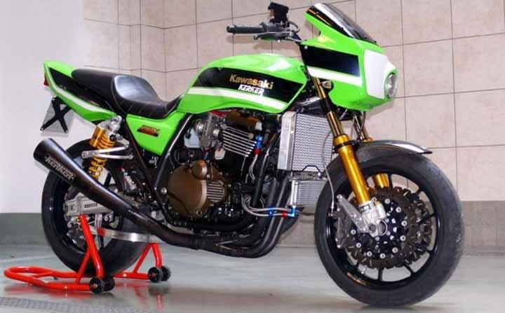 Sosok Kawasaki ZRX1200