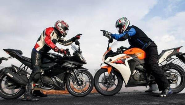 Yamaha R15 vs Honda CBR150R