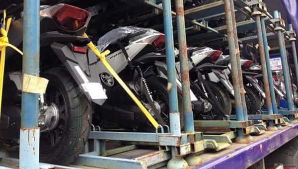 Penampakan Honda Forza diangkut